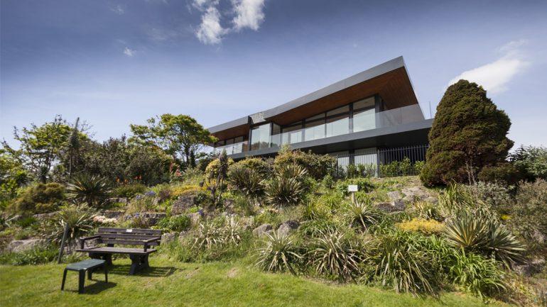 Tuckton's Very Own Cutting Edge Contemporary Home